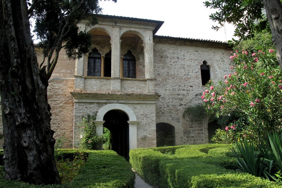 Arqua_Petrarca_25_(8189350422)