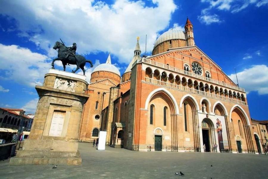 Basilica-di-SantAntonio-770x513